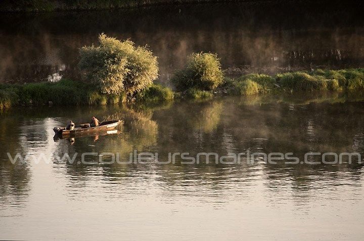 Loire,Photos,Pêcheurs,Barque,Photos de la Loire,Pêcheurs en barque sur la Loire,Champtoceaux,Oudon,Erik Brin, Photographe