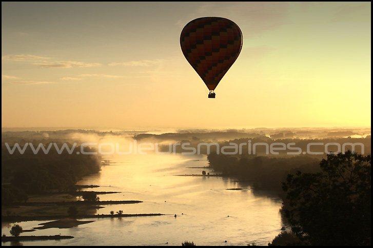 photo,la Loire,mongolfiere,brume,brouillard,champtoceaux,oudon,photos de la Loire,erik brin,photographe,champtoceaux