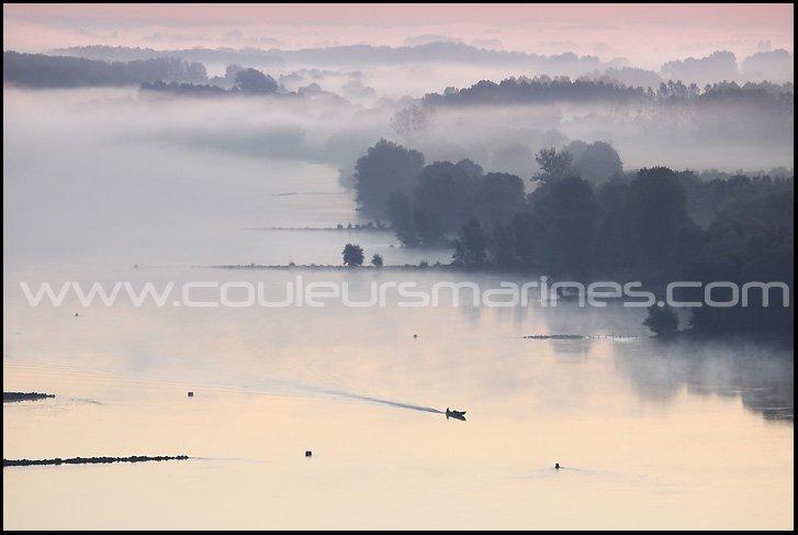 photos de la Loire dans la brume, photos de la Loire dans le brouillard, photos de la Loire au lever du soleil, Erik Brin photographe de Loire, Champtoceaux,