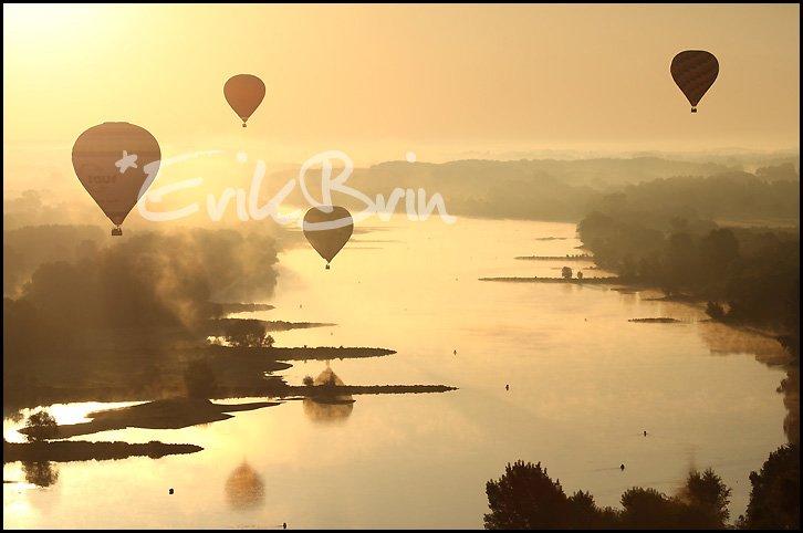 Photos de la Loire, vol de montgolfières sur la Loire prés de Nantes. Erik Brin, photographe de Loire