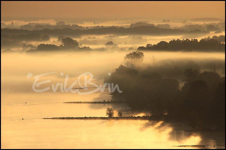 Banc de brouillard sur la Loire en Loire Atlantique