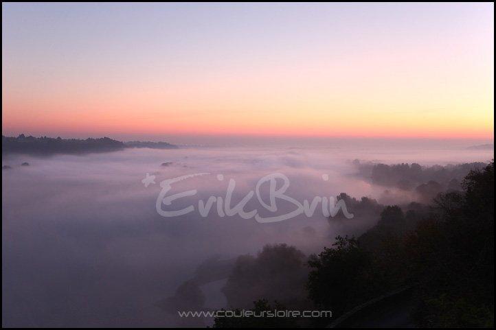 La Loire dans le brouillard, vallée de la Loire, Loire Atlantique, Maine et Loire, brume et brouillard