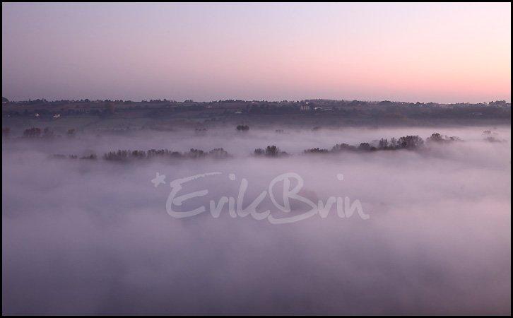 La vallée de la Loire dans le brouillard ! Paysages d'Automne sur la Loire